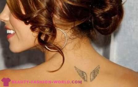 Lepa ženska Tetovaže In Njihova Lokacija Na Telesu Foto
